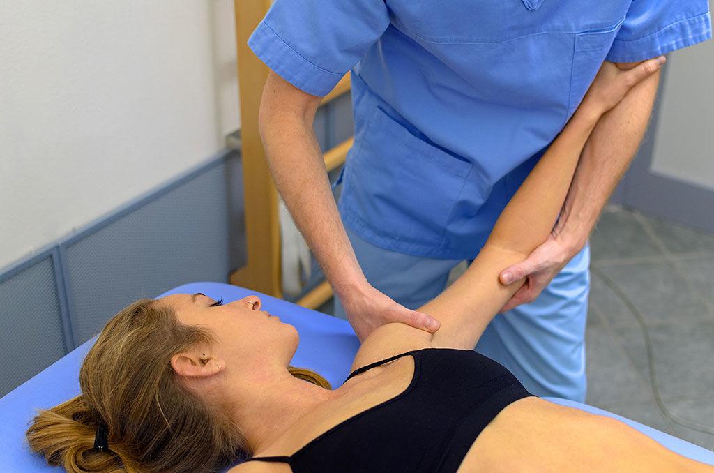 Fisioterapia alla spalla: dolore al movimento del braccio..